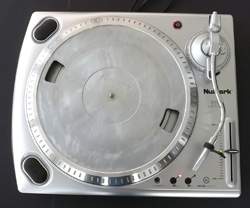 best things to sell on eBay for profit - numark turntable